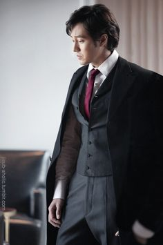 So Ji Sub - can see him as the Korean Darcy. Would be amazing!!