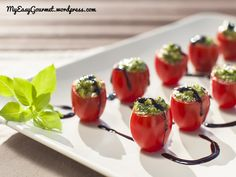 My Easy Gourmet Pesto bites Toothpick Appetizers, Pizza Appetizers, Bite Size Appetizers, Cold Appetizers, Appetizer Ideas, Tomato Pesto, Party Finger Foods, Clean Eating Snacks, Love Food