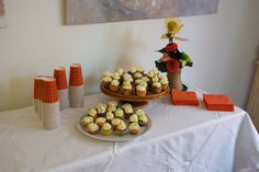 Opening van de Kunstkamer met mini cupcakes van Taartenhuys Brandevoort. Heerlijk.