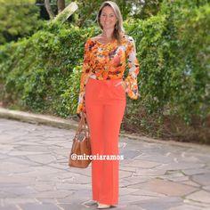 Look de trabalho - look do dia - look corporativo - moda no trabalho - work outfit - office outfit -  spring outfit - look executiva -flare - blusa estampada - calça laranja - orange - floral