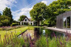 Trivium Ceramics - Exclusieve Tuin in Nieuwerkerk aan de IJssel - Hoog ■ Exclusieve woon- en tuin inspiratie.
