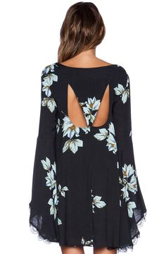 Well aparently I can only show 1 pic of a dress... :/ http://de.sheinside.com/Black-Long-Sleeve-Floral-Print-Dress-p-199646-cat-1727.html