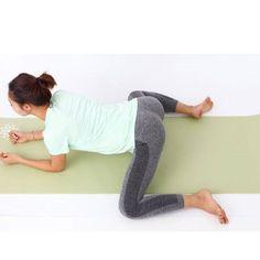 お正月太りが気になる方もそうでない方も、必見! 本格的なコアトレに入る前に、覚えておきたい&習慣にしたいストレッチをご紹介。今回は、老廃物がたまりやすい股関節のストレッチ。「女性は鼠蹊部や股関節のリン