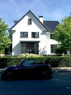 Residential Architecture, Modern Architecture, Belgian Style, Thatched Roof, Build Your Dream Home, Tropical Houses, Interior And Exterior, Beautiful Homes, House Design