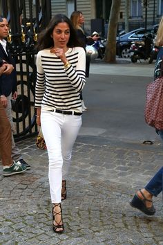 Capucine Safyurtlu in striped top, white pants and black sandals - Fall outfit ideas and street style inspiration for Fashion Week Fashion Mode, Look Fashion, Womens Fashion, Guy Fashion, Jeans Fashion, French Fashion, Street Fashion, Fashion Ideas, Fashion Outfits