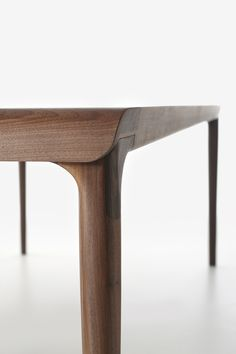 iBarzaghi's Charles table - Detail of the insert table in ebony