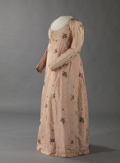 Dress  1800  Nasjonalmuseet for Kunst, Arketektur, og Design  Help keep OMGTD up and running!
