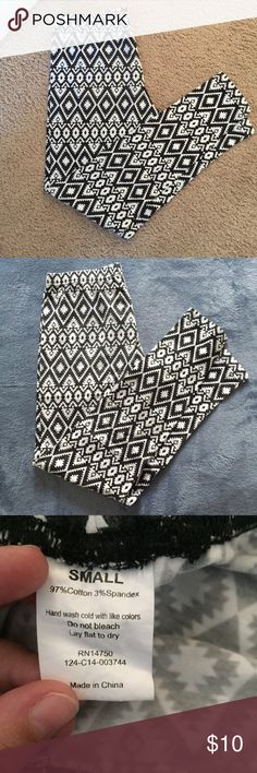 Tribal Leggings Worn maybe once or twice. Shows very little wear on the buttocks area. Charming Charlie Pants Leggings