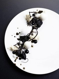 Black´n White theme variation of licorice, coconut and chocolate foto: søren gammelmark denmark - The ChefsTalk Project Weight Watcher Desserts, Food Design, Modern Food, Low Carb Dessert, Black Food, Food Decoration, Molecular Gastronomy, Culinary Arts, Gourmet Recipes