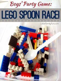 Plastic lepels, Tupperware, en legostenen zijn alles wat je nodig hebt voor dit leuke spel.