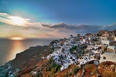 One of the most beautiful islands in the world and one of the most popular destinations in Greece! Immortalized thanks to its celebrated light, multi-colored cliffs and picture-perfect sunsets. Santorini Greece, Greece Travel, Greek Islands, Day Tours, Beautiful Islands, Tourism, Wanderlust, Spaces, Landscape