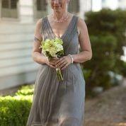 Bridesmaid. http://whitneyleephotography.com/
