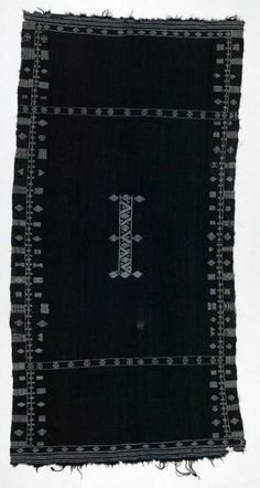 Africa | Shawl ~ bakhnug ~ from the Berber people of South Tunisia | ca. early 20th century | Wool and cotton