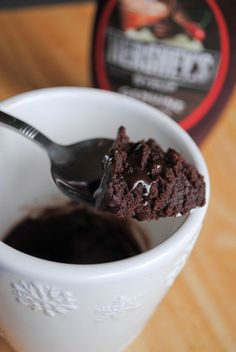 I've seen this recipe around the internet quite bit lately.. and I was a bit skeptical about it.  A microwaved brownie just doesn't sound ri...