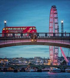 Goodnight beautiful London 😍 Visit London, May 2017 London Photos, Photos Du, Beautiful London, Beautiful Places, England Uk, London England, Kuala Lumpur, Big Ben, Places To Travel
