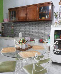 Desain Dapur Dan Ruang Makan Sederhana Dengan Kitchen Set