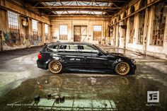 We should warn you that the adjacent photos contain an incredibly high level of sugar or whatever ingredient is used to produce eye candy. What we have here is an E91 BMW M3 Touring with a slammed, clean appearance.