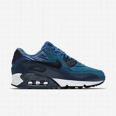 Find images and videos about swag, nike and ootd on We Heart It - the app to get lost in what you love. Air Max Sneakers, Sneakers Nike, Sneakers Fashion, Nike Basketball Shoes, Air Max 90 Leather, New Nike Shoes, Nike Elite Socks, Blue Nike, Nike Shoes