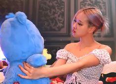 Yg Entertainment, Rose Video, Rose Park, Kim Jisoo, Jennie, Blackpink Photos, Blackpink Fashion, Girl Gifs, K Idols