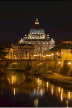 Unsere Sightseeing Checks liefern Euch wichtige Infos, Tipps & Tricks zu den bekannten Sehenswürdigkeiten. Heute: Der Petersdom in Rom!