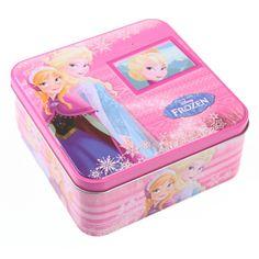Bewaarblik Frozen Anna en Elsa. Roze vierkant voorraadblik van Anna en Elsa van de film Frozen. Het opbergblik heeft een formaat van ongeveer 16 x 16 x 17 cm.