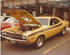 Excellent shot of a '71 Hemi Challenger R/T back in the late '70's. Just someone's nicely maintained street machine.