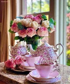 Coffee Flower, Shabby Chic, Good Morning Coffee, Morning Mood, Cafe Art, Breakfast Tea, Good Morning Flowers, My Tea, Coffee Cafe