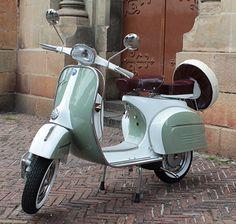 Planet Vespa- Classic Vintage Vespa scooters