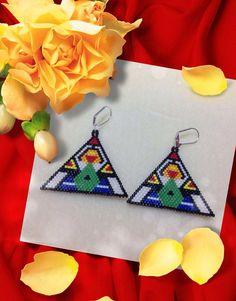 "Items similar to Triangle Beaded Earring ""The Thinker"" on Etsy Seed Bead Earrings, Beaded Earrings, Seed Beads, Beaded Jewelry, Handmade Jewelry, Native American Beadwork, Native American Fashion, Jewelry Case, Brick Stitch"
