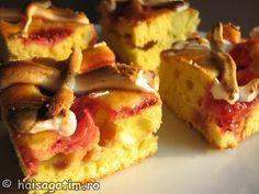 Prajitura cu fructe (capsuni) - Hai să gătim cu Amalia Romanian Desserts, Romanian Food, Romanian Recipes, Sweets Recipes, Yummy Cakes, Biscuit, French Toast, Sweet Treats, Muffin