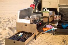 AdVANture kitchen set up - Scout Overland Camping Vehicle Kitchen - Scout Equipment Co Minivan Camping, Truck Bed Camping, Camping Canopy, Jeep Camping, Glamping, Camping Set, Winter Camping, Camping Room, Camping Cooking