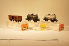 Catawiki Online-Auktionshaus: Trix H0 - 2 Kesselwagen und 1 gedeckter Güterwagen