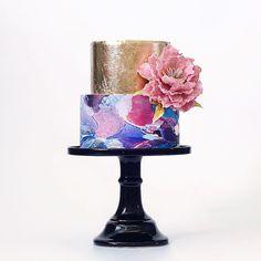 = by @tortikannuchka #watercolorcake by apracticalwedding
