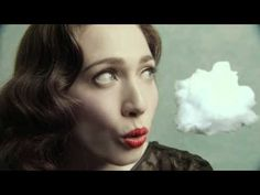 "Regina Spektor - ""How"" [Official Music Video] A treat to the ears and the eyes / Un banquete tanto para los oidos como para los ojos."