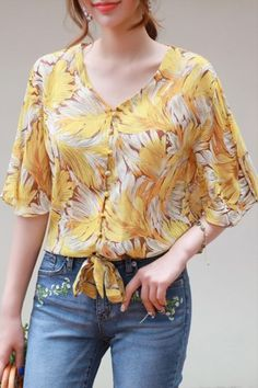 Korean Women`s Fashion Shopping Mall, Styleonme. Dressy Casual Outfits, Casual Summer Dresses, Classic Outfits, Blouse Styles, Blouse Designs, Plus Size Clothing Online, Sleeves Designs For Dresses, Kurti Patterns, Frocks For Girls