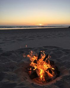 Wallpaper Iphone - Sunset Fire - Wallpapers World Beach Night, Sunset Beach, Beach Sunsets, Beach Aesthetic, Summer Aesthetic, Photo Wall Collage, Picture Wall, Fire Photography, Beach Sunset Photography