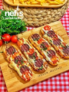 Parmak Yedirten Açık Tost Sandviç – The Most Practical and Easy Recipes Best Breakfast Recipes, Quick And Easy Breakfast, Nutella French Toast, Recipe Sheets, Fun Easy Recipes, Delicious Recipes, Breakfast Pizza, Finger Foods, Herbs