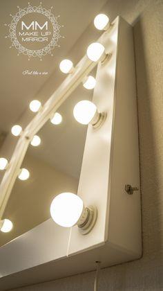 """Амбассадор"" - квадратное гримерное зеркало для макияжа! Оптимальный размер, шикарная рама! Размер 750х750х65 мм (10 светодиодных ламп правильного для макияжа света в комплекте) Mirror With Spotlights, Bulb Mirror, Andys Room, Dressing Room Mirror, Makeup Vanity Lighting, Vanity Table Set, Makeup Room Decor, Glam Room, Closet Designs"