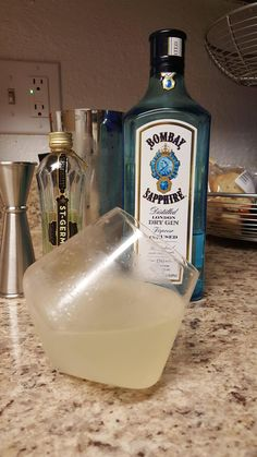 French Gimlet #cocktails #drinks #HappyHour #food #sun #lunch #bar #London