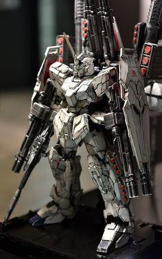 PG 1/60 Full Armor Unicorn Gundam - Weathered Build     Modeled by 즐거운도시