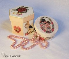 SWEET BOXES DECORATED WITH CALAMBOUR PAPER http://www.calambour.it/it/le-nostre-carte/carte-di-riso/pau.html#!Pau_032   http://www.calambour.it/it/le-nostre-carte/carte-di-riso/pau.html#!Pau_031