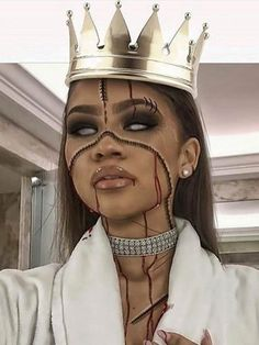 Zendaya looks down right creepy with her Halloween makeup.