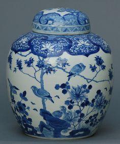 18C/19C Chinese Blue and White Covered Jar H1LWA