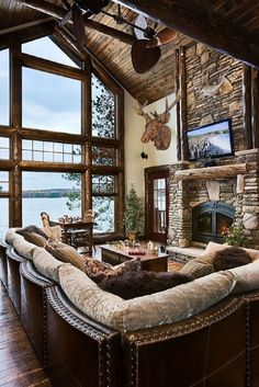 Modern cabin interior design ideas rustic living room decor ideas inspired decorating ideas for your living room cozy and rustic cabin style living rooms cozy and rustic cabin style living… Style At Home, Haus Am See, Log Cabin Homes, Cabin Style Homes, Luxury Log Cabins, Deco Design, Design Design, Home Fashion, Fashion Ideas