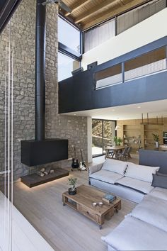 Wedge House by Schema Architecture & Engineering