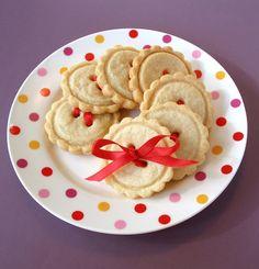 Gluten-Free Shortbread Button Cookies Recipe  http://baking911.com/cookies/shortbread-sugar/gluten-free-shortbread-button-cookies