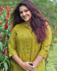 Indian Actress Hot Pics, South Indian Actress Hot, Most Beautiful Indian Actress, Indian Actresses, Malayalam Actress, Girl With Curves, Indian Models, Power Girl, India Beauty