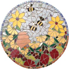 Bee Stepping Stone mosaic by Katy Galbraith