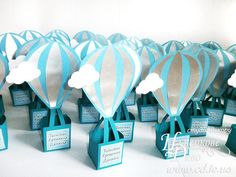 10 personalized candy box Hot air balloon-Unique design-can Baby Shower Favors, Baby Shower Games Coed, Baby Shower Cake Pops, Girl Baby Shower Decorations, Baby Shower Balloons, Baby Shower Centerpieces, Baby Boy Shower, House Decorations, Baby Shower Unique