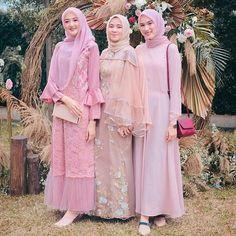 Dress Brukat, Hijab Dress Party, Batik Dress, Dress Outfits, Simple Bridesmaid Dresses, Modest Dresses, Pakistani Dress Design, Pakistani Outfits, Kebaya Modern Dress